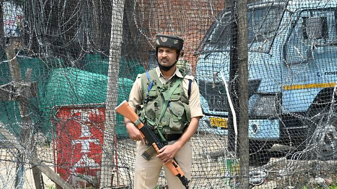 Four Indian troops killed in new Kashmir clashes
