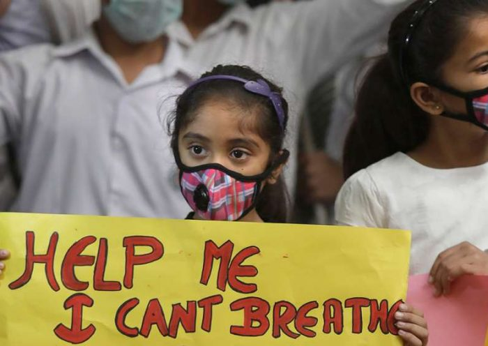 Smog shrouds north Delhi-NCR again; schools shut till Friday