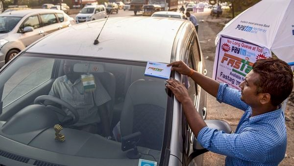 Faulty FASTag reading machine can help you save toll fee
